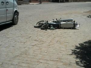 12285875_10205674292359724_749666489_n-300x225 Em Monteiro: Motociclista fica ferido após colidir com carro