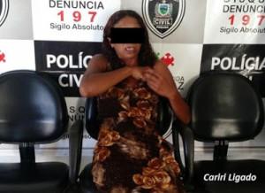 MULHER-COM-DROGA-300x218 Mulher é presa com droga escondida no sutiã na cadeia de Monteiro