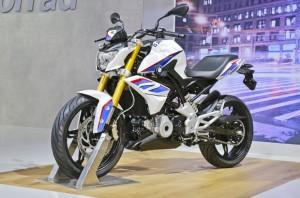"""eicma_2015_bmw_roesner_0129-300x198 G 310 R terá """"preço acessível"""", e BMW pensa em fábrica de moto no Brasil"""