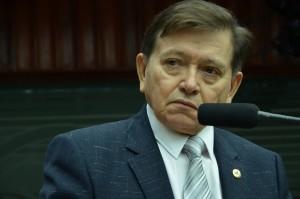 joãoHenrique-300x1991-300x199 João Henrique se licencia de mandato, e Arthur Cunha Lima permanece na AL