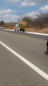 12398923_10205795390947113_1151388236_n-169x300 Exclusivo: Carro bate na traseira de carro de Som e deixa um ferido em Monteiro