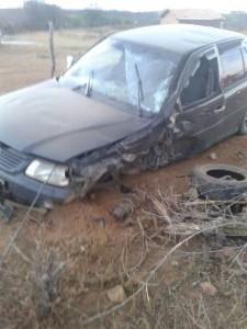 12421633_10205844417252740_1981897778_n-1-225x300 Batida entre carro e moto deixa uma pessoa morta e outra gravemente ferida em