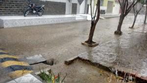12436319_10205821359876320_1576658981_o-300x169 Aesa registra chuva e vento em cidades da Paraíba; choveu em pelo menos 20 cidades do Cariri
