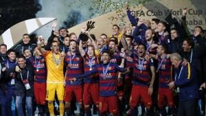 2015-12-20t130010z_93618010_mt1aci14227753_rtrmadp_3_soc-300x169 Servidos por Neymar, Messi e Suárez marcam e dão tri Mundial ao Barça