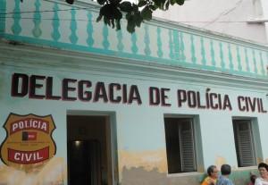 delegacia_serrabranca-300x207 Homem é preso ao tentar estuprar sobrinha de 3 anos em Serra Branca