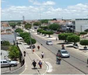 monteiro-5-300x255 Dupla assalta creche em Monteiro, rouba veículo