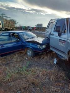 prata2-225x300 Três carros se envolvem em acidente no Cariri