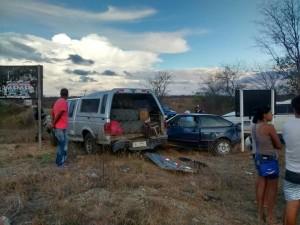 prata3-300x225 Três carros se envolvem em acidente no Cariri