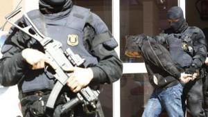 size_810_16_9_policia-espanha-300x169 Espanha prende suspeitos de pertencerem ao Estado Islâmico