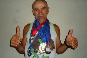 12443503_785781108195181_779965597_o-300x200 Uma lenda viva do atletismo Paraibano.