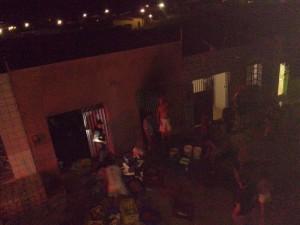 12463806_10205906538525733_351178774_n-300x225 Incêndio em residência em Monteiro deixa vítima fatal