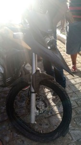 12463855_10205886241498320_2026505631_n-169x300 Colisão entre motos deixa três pessoas feridas no centro de Monteiro