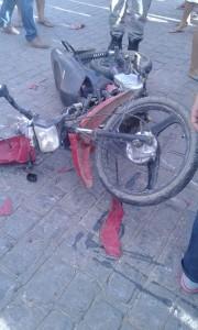 12467896_10205886148375992_438870899_n-180x300 Colisão entre motos deixa três pessoas feridas no centro de Monteiro