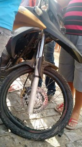 12476489_10205886241418318_968272973_n-169x300 Colisão entre motos deixa três pessoas feridas no centro de Monteiro