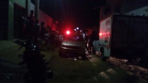 12511222_10205906386401930_878860907_o-300x169 Incêndio em residência em Monteiro deixa vítima fatal