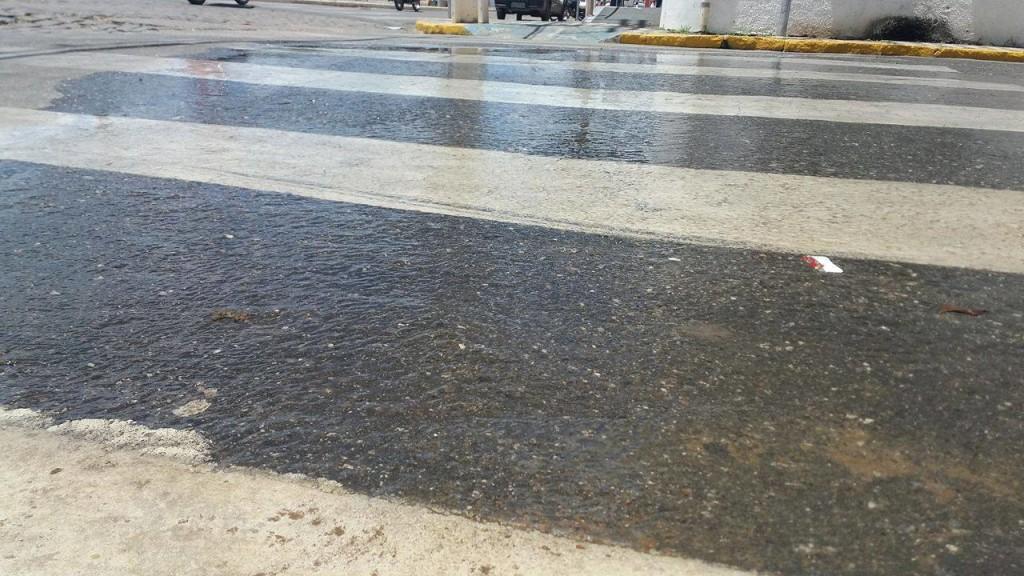 12633090_10206057734345534_274662330_o-1024x576 Cano estourado causa desperdício de água tratada em Monteiro