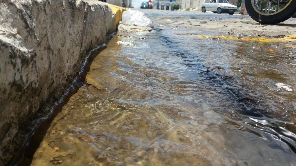 12669293_10206057734065527_699141973_o-1024x576 Cano estourado causa desperdício de água tratada em Monteiro