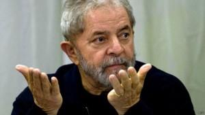150727213719_lula_624x351_afp-300x169 Lula protesta no Facebook contra 'tentativa' de envolvê-lo com ilícitos