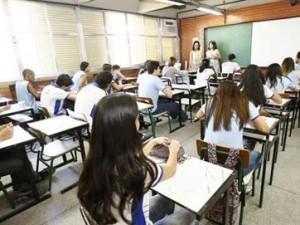 15947336280003622710000-300x225 Estados e municípios temem não conseguir pagar piso aos professores em 2016