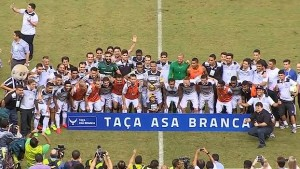 622_343c033d-c6c4-36fa-be13-f67d385e8c69-300x169 Nos pênaltis, Flamengo perde Taça Asa Branca para o Ceará