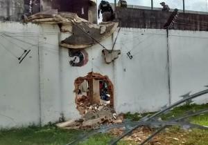 fuga_presidio-300x210-300x210 Cerca de 100 presos fogem de presídios de PE e RN; Paraíba está em alerta