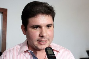 hugo_motta_foto-walla_santos-300x200 Hugo Motta anuncia candidatura à liderança do PMDB
