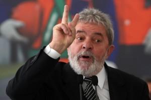 lula-300x200 Promotor considera ter indícios suficientes para denunciar Lula