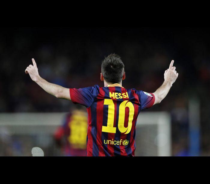naom_533489a360aed-1 Os 10 jogadores de futebol que mais camisas vendem no mundo