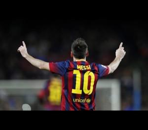 naom_533489a360aed-300x263 Os 10 jogadores de futebol que mais camisas vendem no mundo