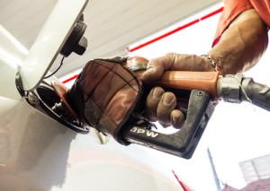 noticia_107558-300x213 Litro da gasolina chega a R$10 na Paraíba