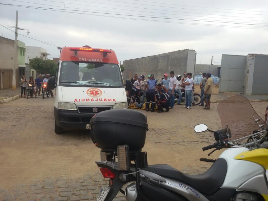 20160216070351-1024x768 Exclusivo: Em Monteiro Policial Civil atropela motociclista