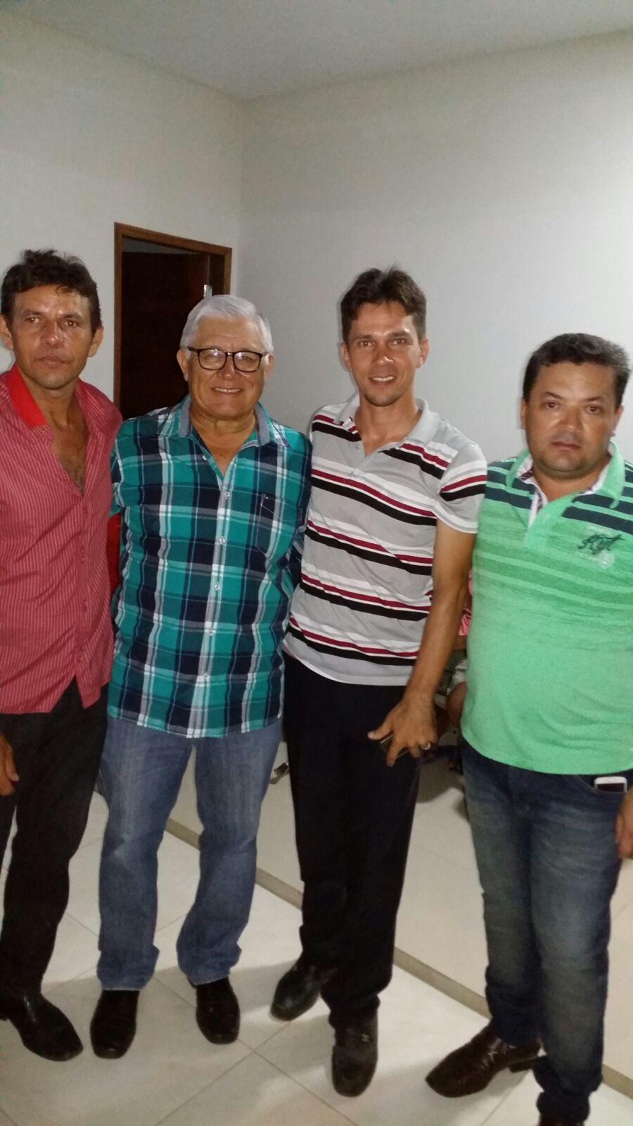 20160221040005 Ex-Deputado, vereadores e lideranças consolidam apoio à pré-candidatura de Paulo Sergio a prefeito de Monteiro.