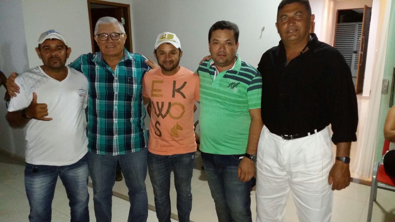 20160221040007 Ex-Deputado, vereadores e lideranças consolidam apoio à pré-candidatura de Paulo Sergio a prefeito de Monteiro.