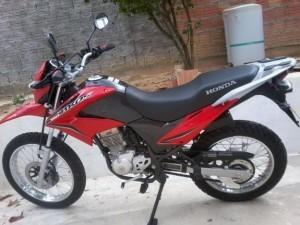 Honda-Bros1-300x225-300x225 Mais uma moto Bros é roubada em Monteiro