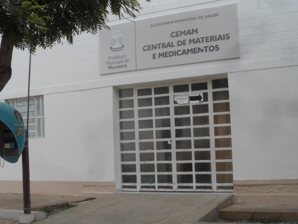 SAM_6215-1024x768 DENÚNCIA: Matagal toma conta da Secretaria de Saúde de Monteiro