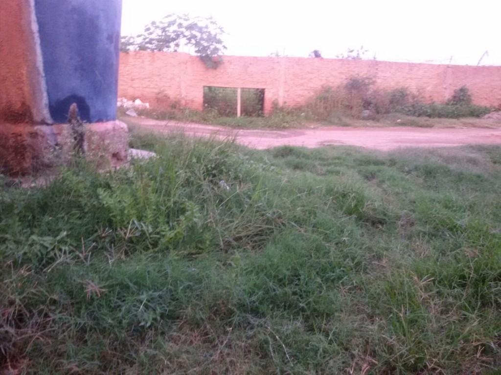 fd2578ed-70c7-4713-93b9-5ce17b507075-1024x768 Esgoto estourado é motivo de reclamação em bairro de Monteiro