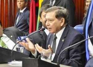"""timthumb-1-300x218 João Henrique diz que governo é um """"desastre"""" e Estado """"escureceu"""" após reeleição de Ricardo Coutinho"""