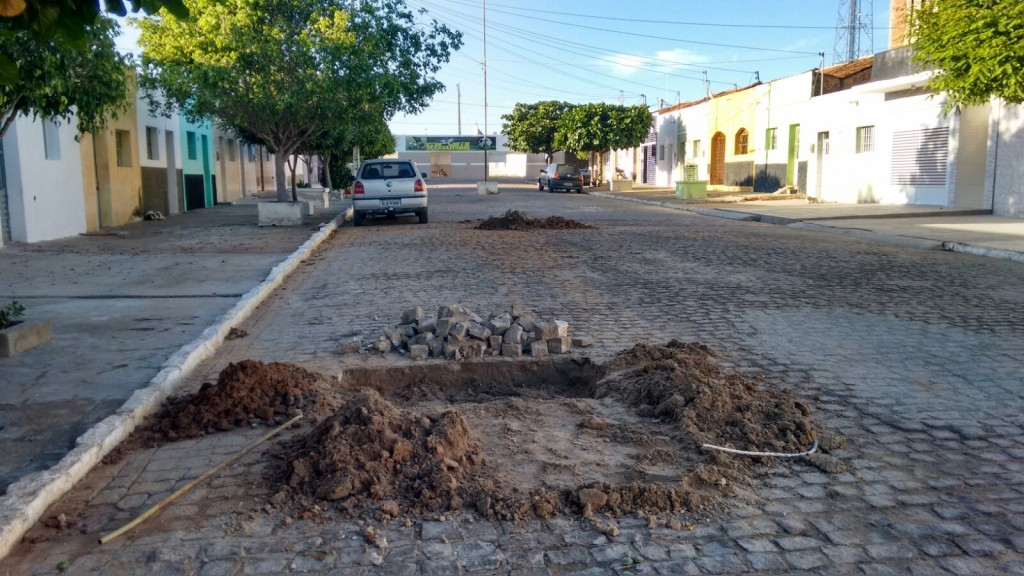 09387db8-eac8-4821-8ac7-ae9d0d1f19ed-2-1024x576 CAGEPA deixa buracos nas ruas e prejudica população monteirense