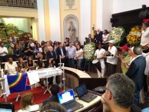 20160309120227-300x225 Parentes e amigos velam corpo de Naná Vasconcelos na Assembleia