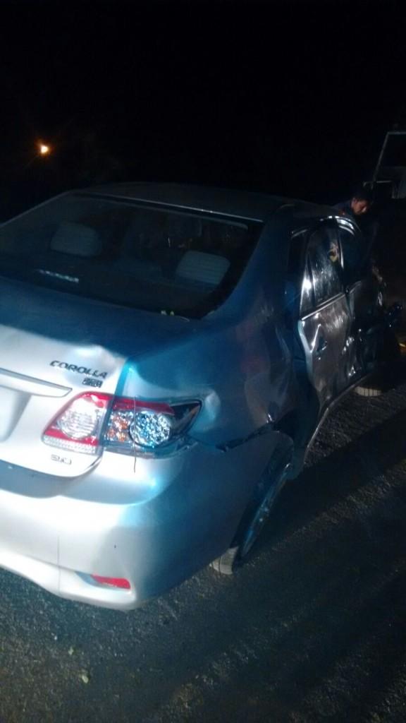 20160314034836-1-576x1024 Em Monteiro: Motorista perde controle de carro em curva e capota