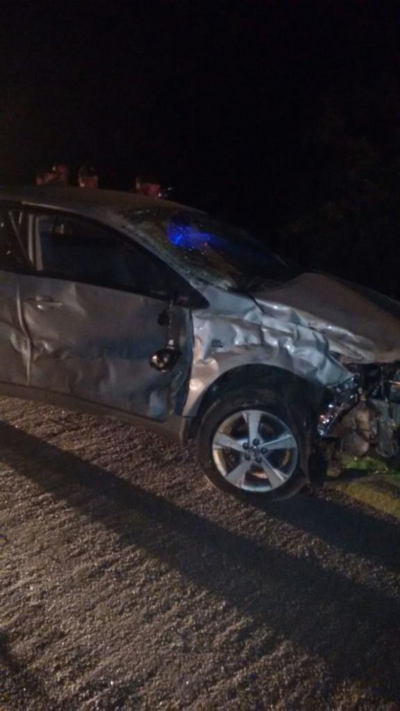 20160314034836-2-576x1024 Em Monteiro: Motorista perde controle de carro em curva e capota