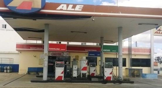 IMG-20160328-WA0020-702x336 Dupla armada assalta Posto de Combustíveis em Gurjão