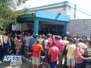 MG_3202-300x225 Suspeito de matar mototaxista Monteirense é preso em Santa Cruz