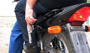 images Dupla em moto assalta Populares em Monteiro