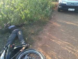 jandeilson_morto-300x225 Jovem é assassinado com tiro na cabeça em Sumé