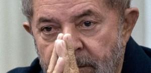 luiz-inacio-lula-da-silva-durante-encontro-com-membros-do-partido-dos-trabalhadores-pt-em-sao-paulo-no-dia-30-de-marco-de-2015-1457106372099_615x300-300x146 Se Lula virar ministro, o que aconteceria com investigações contra ele?