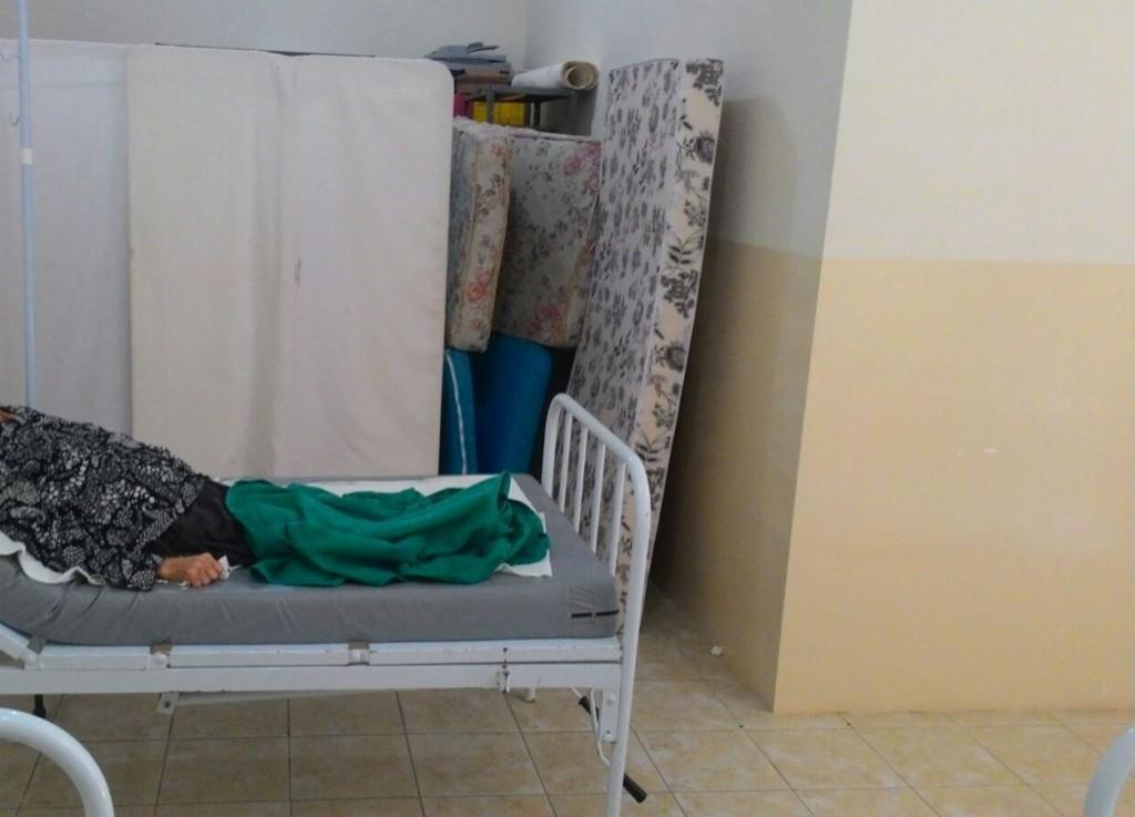 paciente-em-meios-1024x737 Felizardo Moura denuncia fechamento de Hospital na Prata