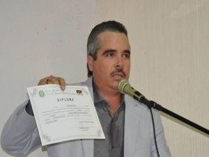 prefeito-300x225 Prefeito da PB é preso sob acusação de posse ilegal de arma e violência doméstica