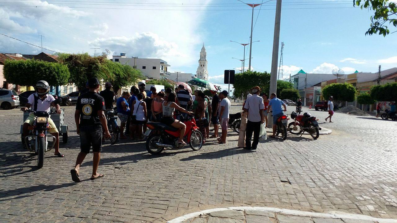 12946852_10206552078503829_883388865_o Colisão entre motos deixa uma pessoa ferida em Monteiro
