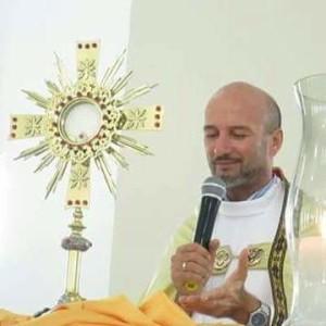 20160411163852-300x300 Ex-pároco de Monteiro padre Carlinhos está internado com suspeita de H1N1